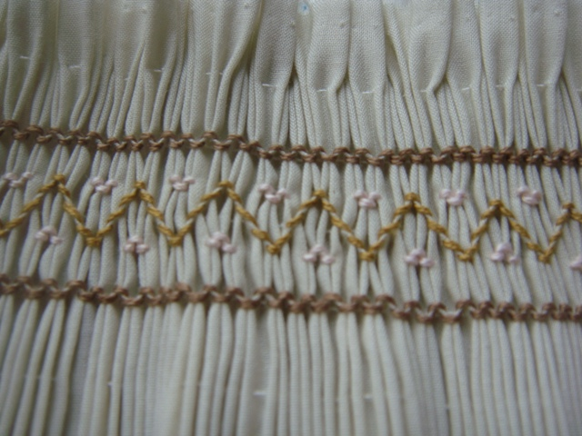 smocking apply1